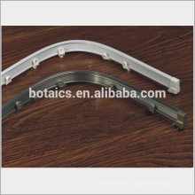 Aluminium gebogene Duschvorhangstange, Aluminium gebogene Vorhangstangen, Metallvorhangschienenläufer Radvorhangschiene / Vorhangschiene
