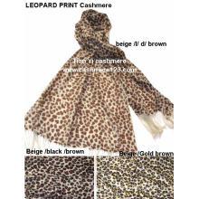 Mantón 100% de lana estampado leopardo