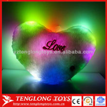 2015 Hot sale LED colorful heart shaped musical lighted pillow