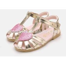 Sapatas brilhantes dos bebés sandálias das meninas do coração do brilho