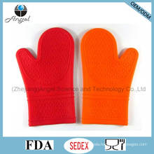 Popular Long Silicone Insulation Glove for BBQ Grill Sg07