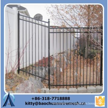 2015 nuevo estilo Hermoso y más fuerte del terreno inclinado La cerca de acero de la pared