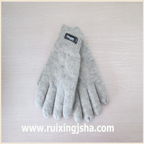 plain color knitted wool gloves