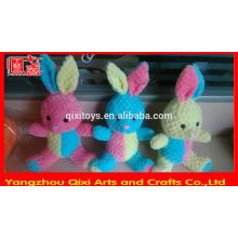Atacado coelho de pelúcia bonito coelho de pelúcia colorido macio coelhinho da páscoa brinquedo