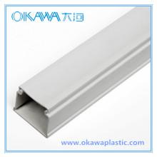 Especializarse en la fabricación de OEM Extrusión de plástico Perfil