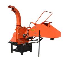 PTO mounted hydraulic feeding wood chipper