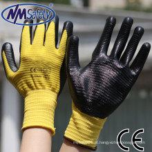 NMSAFETY anti slip 13 gauge poliéster amarelo malha U3 revestimento da palma luvas de nitrilo preto