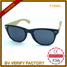 F15942 Gafas de sol de estilo clásico con brazos de bambú Natural
