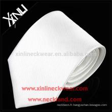 Cravate en soie tissée tissée jacquard tissée à la main