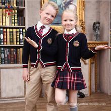 2016 Art- und Weisestickerei fertigen Schuluniform besonders an