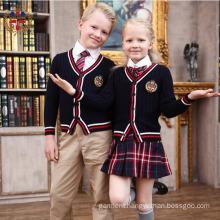 2016 Fashion Embroidery Customize School Uniform