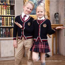 O bordado da forma 2016 personaliza o uniforme da escola