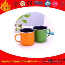 Tasse de café en gros d'émail de conception adaptée aux besoins du client par usine