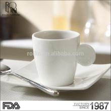 Rollin Venta al por mayor Taza de café de porcelana de alta calidad / tazas de té y platillos taza de café de porcelana linda blanco