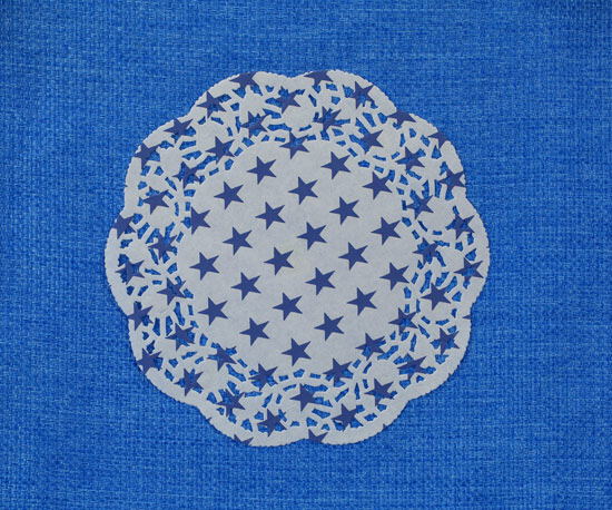Printed paper doily 30cm