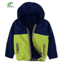 Facile fermeture à glissière printanière jolie veste à capuche avec doublure en maille pour garçon