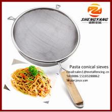 Assorted pjust asta Körbe Küche Siebe mit Holzgriffen für Carbonara Edelstahl Mesh Spaghetti konischen Siebe