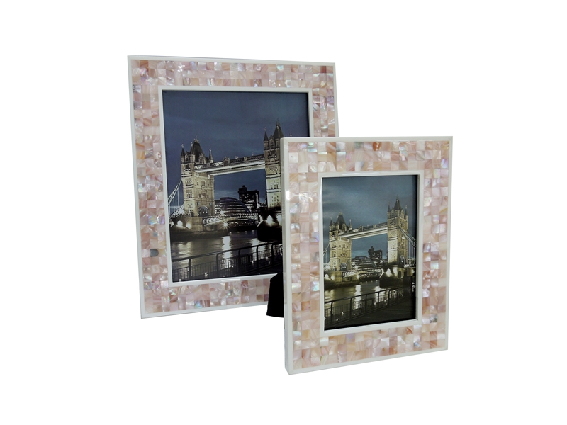 pink shell photo frame