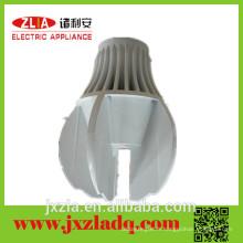 Radiateurs à pièces en aluminium extrudé pour lampadaires à LED avec forme spéciale