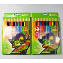 Kinder, die multi farbigen Bleistift malen