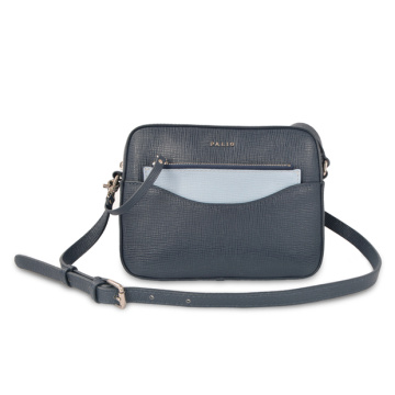 Slouchy Leather Soft Crossbody Bagトラベル財布
