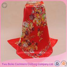 Высокомарочный подгонянный рук-свернутые края красный цветочный дешевые атлас шарф