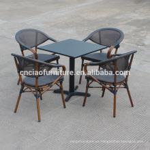 Nueva mesa de hierro al aire libre de diseño cuadrado y sillas de marco de aluminio