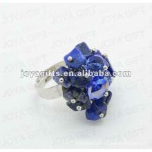 Envuelva los anillos con Sodalite Chip stone