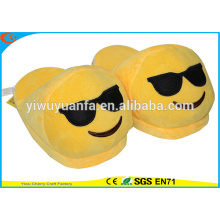 Hot Sell Novelty Design Cool Plush Emoji Slipper with Black Glasses