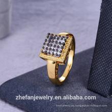 anillo personalizado con color dorado en Zhefan para mujer