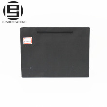 Bolsos de compras de papel por encargo del negro del regalo de boda