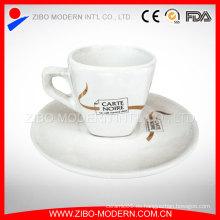 Venta al por mayor de porcelana delicada taza de té de café y plato personalizado