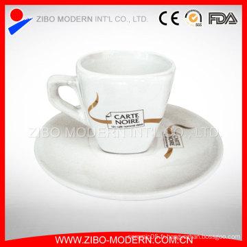 Vente en gros de théière à thé et de soucoupe délicate en porcelaine personnalisée Custom