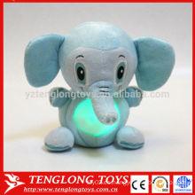 Magia niños regalo luz de la noche animal LED elefante de peluche de juguete