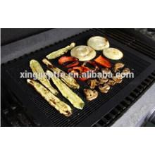 Semelle de barbecue grillagée PTFE revêtue de fourreaux de four en fibre de verre
