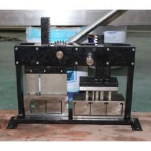 Ooden ciegas Headrail punzonado y máquina de corte (SGD-M-1006)
