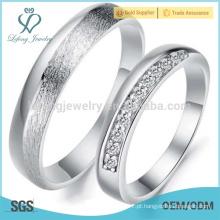 Conjuntos de anel de casamento de platina, anéis de casais correspondentes para o noivado