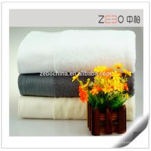 Le plus récent design coton satiné Serviette de couleur solide en gros Serviettes de bain d'occasion