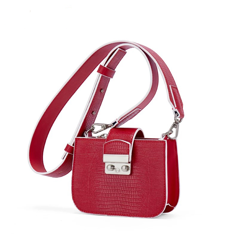 Windened Shoulder Strap Shoulder Bag