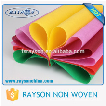 Spunbonded colorido de Guangdong Foshan pp para a colocação de roupa a remodela