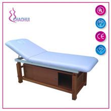 Confortável cama forte da madeira contínua