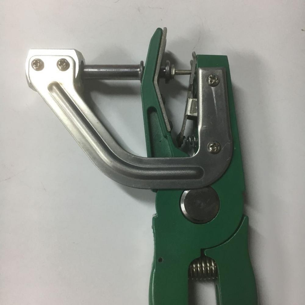Animal Ear Tag Plier Green 1