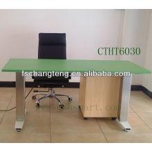 эргономичный сидеть стоять офисный компьютерный стол с Толковейшей контролируя панели или беспроводного управления