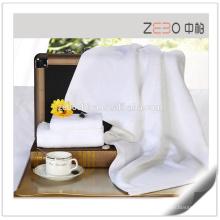 Hot vendendo 32s puro branco bordado personalizado Logo Hotel toalha de banho de algodão