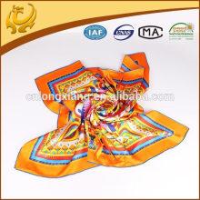 2015 Schöne helle Farbe Twill Silk Schal 90 * 90