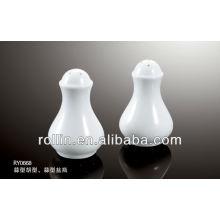 2014 belle conception en forme d'ail blanc porcelaine fine salière et poivrière