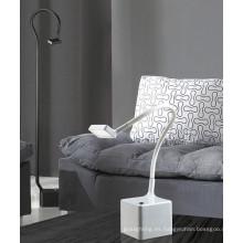 Lámpara de mesa del hogar LED de la buena calidad (AT10073-1)