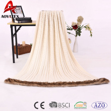 Tricot 100% tricotage à la chaîne de textile à la maison tricotant la couverture acrylique avec la fausse fourrure