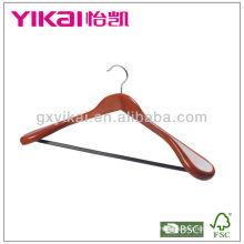 Cinturón de color madera percha con hombros anchos y barra redonda