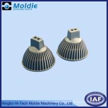 Accessoires de moulage sous pression en zinc et aluminium pour lampes et lanternes